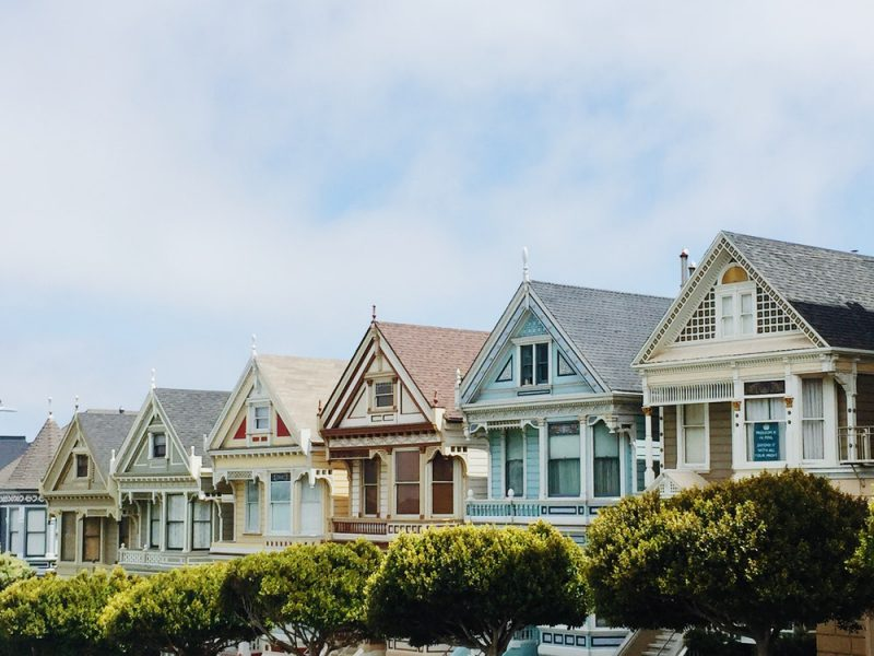 Legal Considerations When Buying & Selling Property